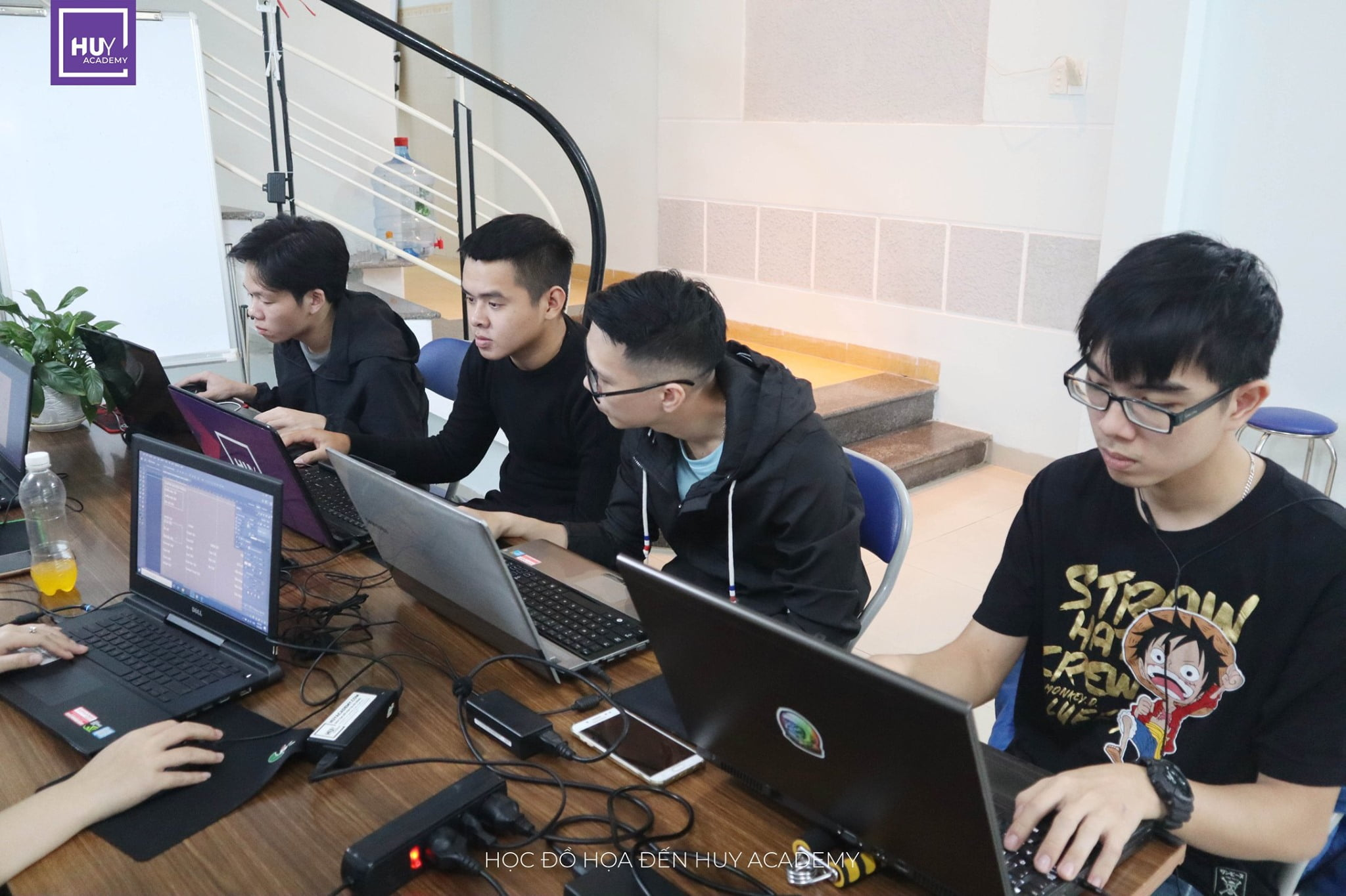 Học thiết kế đồ họa tại Đà Nẵng - Lớp nghề thiết kế (1)