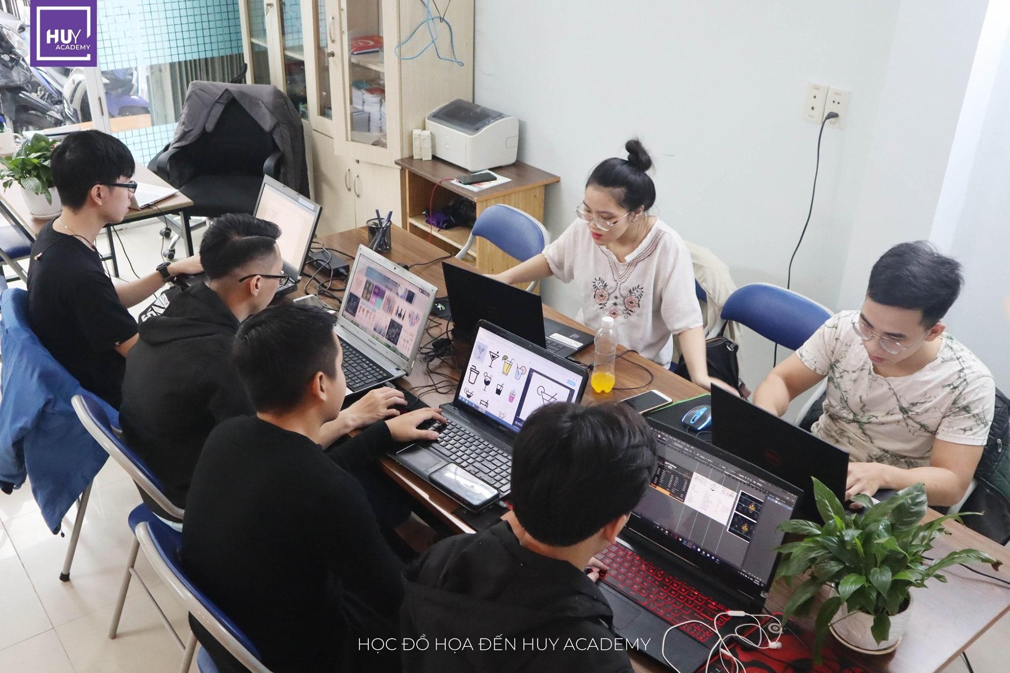 Học thiết kế đồ họa tại Đà Nẵng - Lớp nghề thiết kế (2)