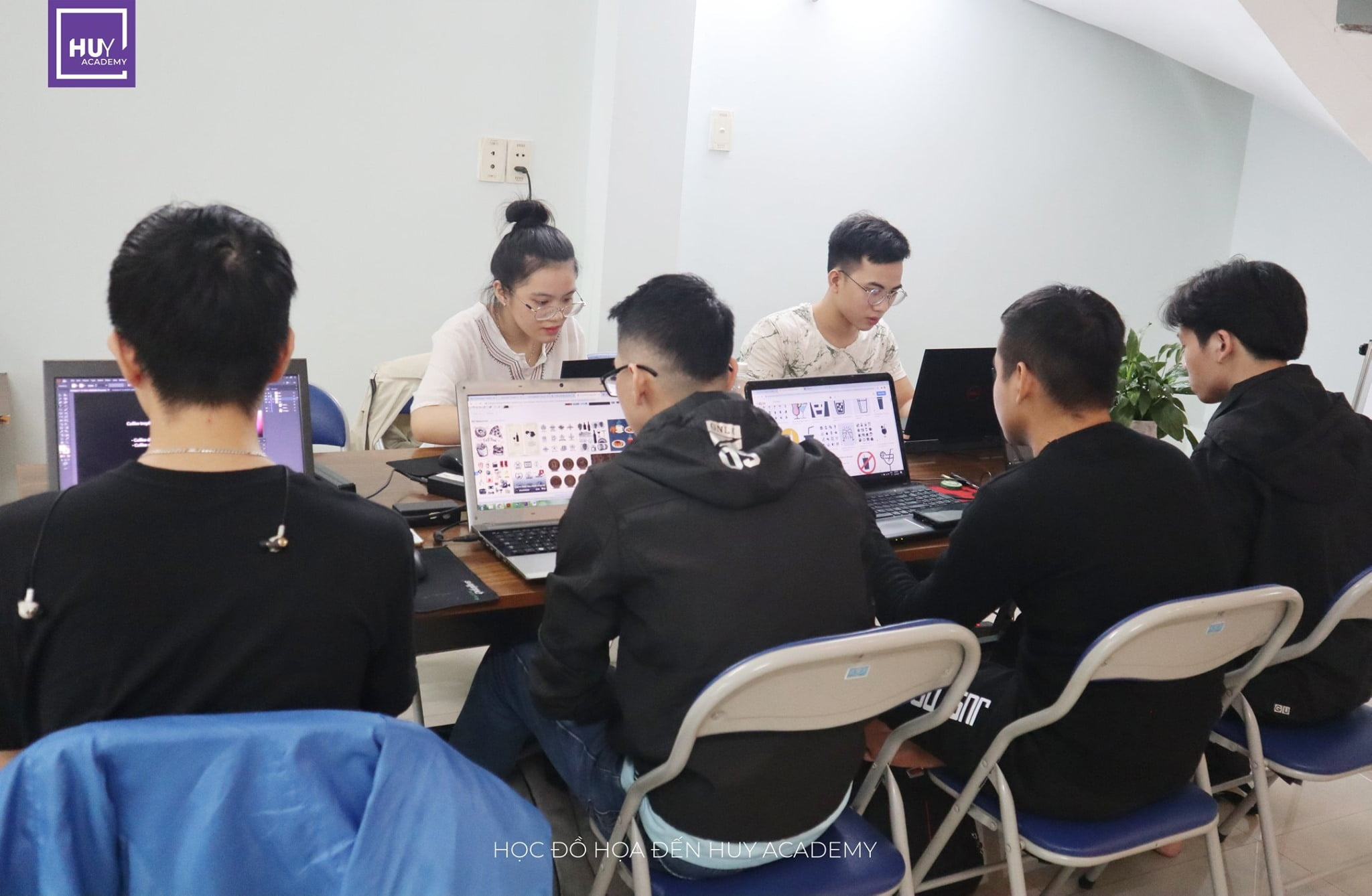 Học thiết kế đồ họa tại Đà Nẵng - Lớp nghề thiết kế (3)
