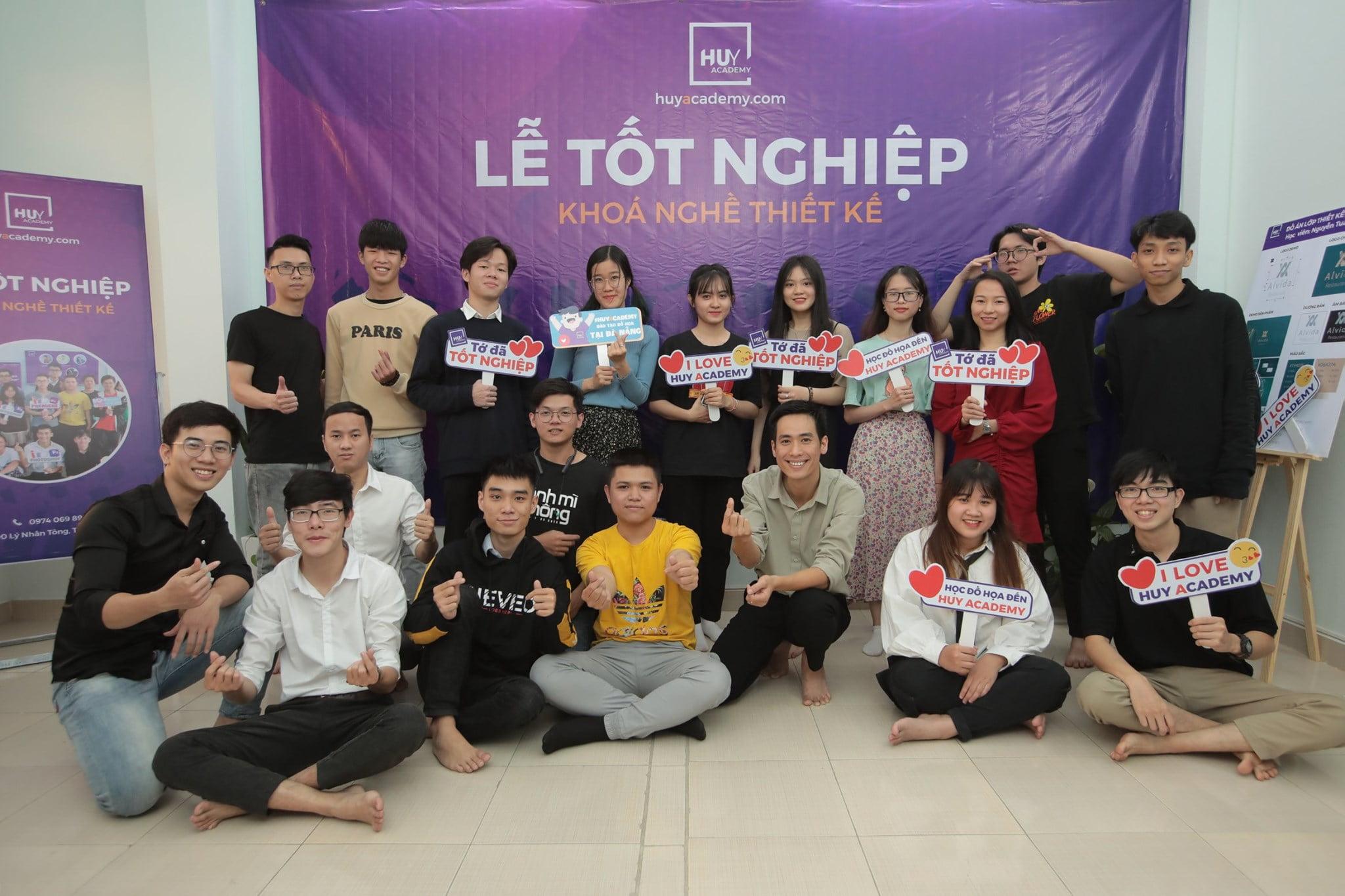 Lễ tốt nghiệp khóa nghề thiết kế đà nẵng 1-2021 (24)