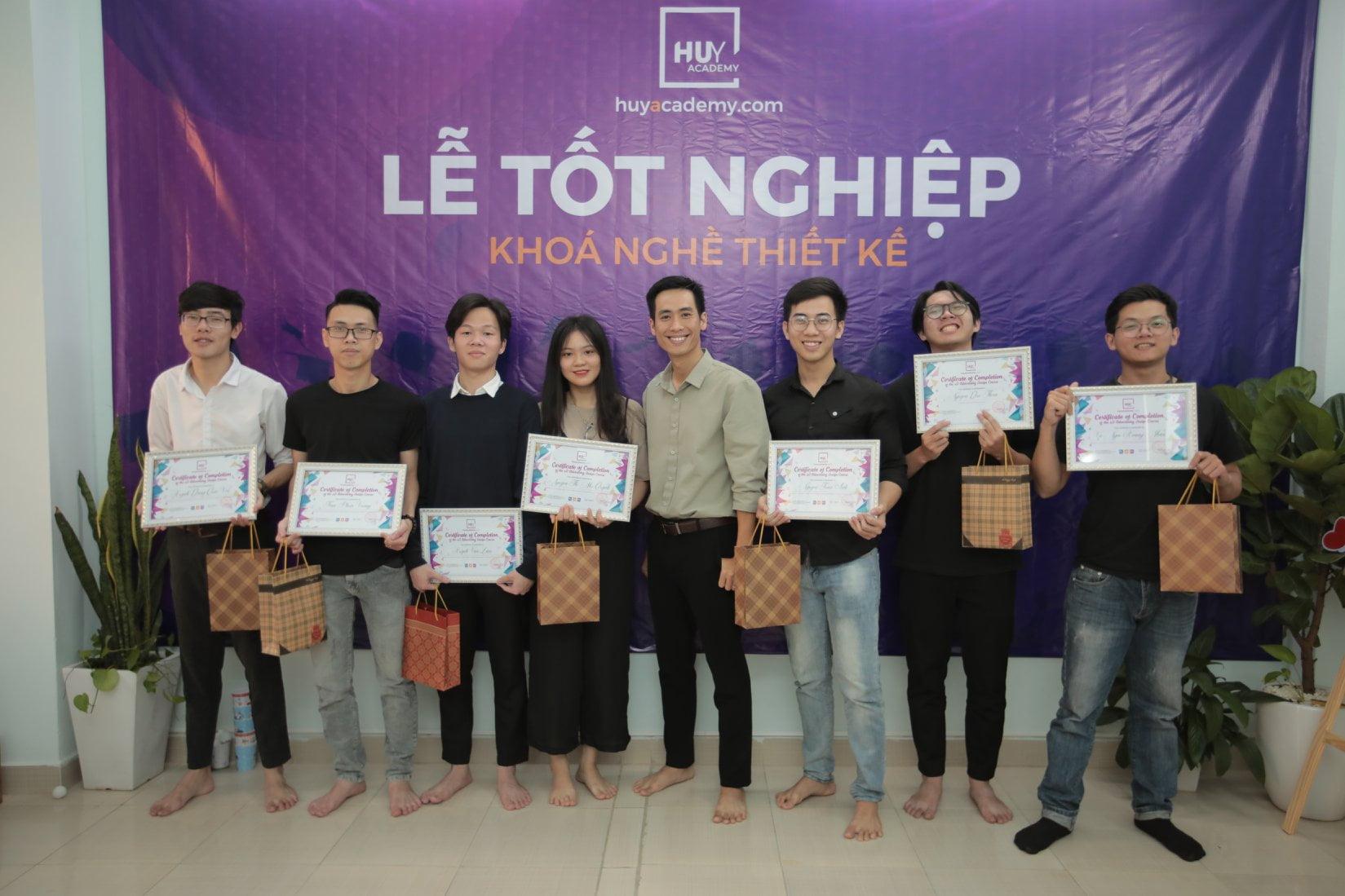 Lễ tốt nghiệp khóa nghề thiết kế đà nẵng 1-2021 (3)